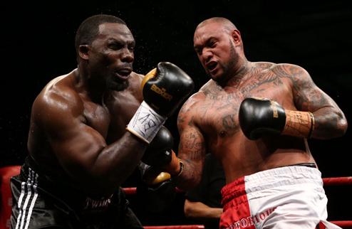 Рахман сенсационно уступает новозеландскому боксеру