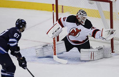 НХЛ. Нью-Джерси ведет переговоры со Шнайдером