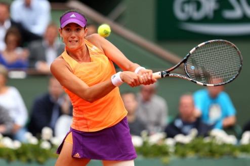 Хертогенбош (WTA). Мугуруса и Бек идут дальше