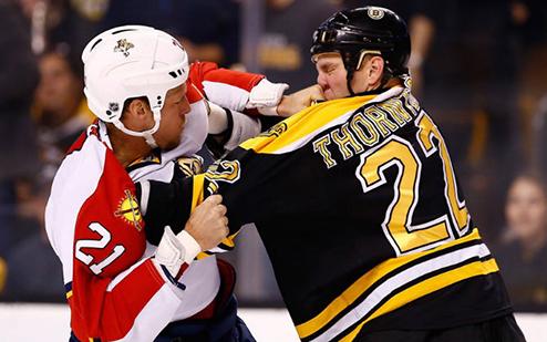 НХЛ. Торнтон покидает Бостон