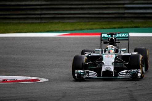 Формула-1. Гран-при Австрии. Хэмилтон выигрывает вторую практику
