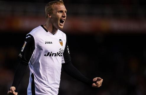 Валенсия отказала Барселоне в продаже Матье