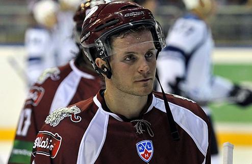 Троттер возвращается в большой хоккей