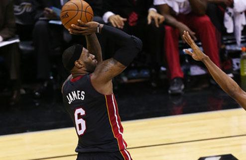 НБА. Клипперс намерены побороться за Джеймса