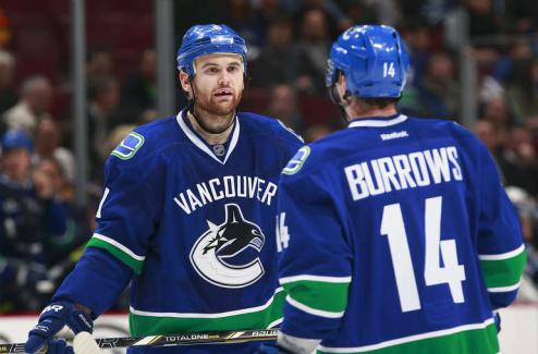 НХЛ. Ванкувер переподписал Кассьяна