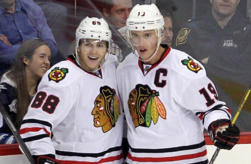 НХЛ. Чикаго: Тэйвз и Кэйн подписали новые контракты