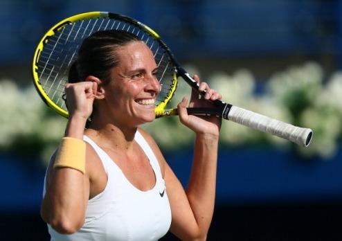 Бухарест (WTA). Очередные победы Халеп и Винчи