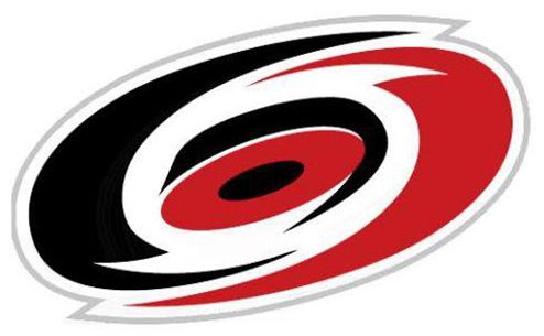 НХЛ. Каролина: новый контракт для Шугга