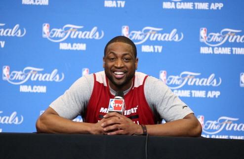НБА. Уэйд остается в Майами