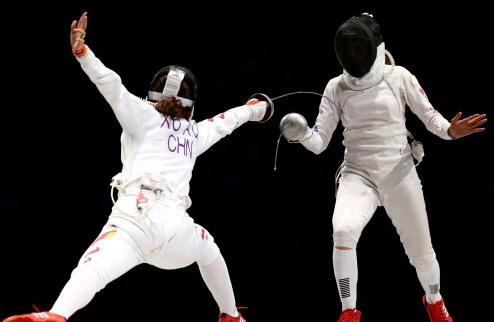 Фехтование. Франция и Россия выиграли командные соревнования на шпаге