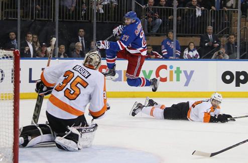 НХЛ. Вратарь Филадельфии Мэйсон выбыл на две недели