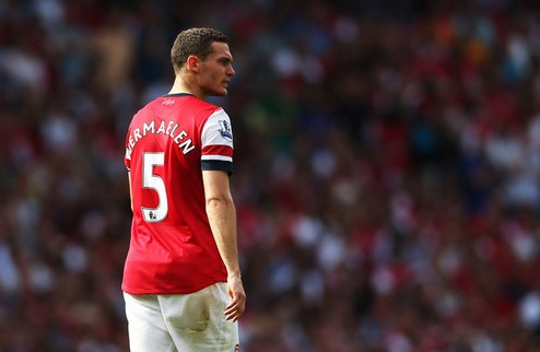 Арсенал согласовал продажу Вермалена в Барселону