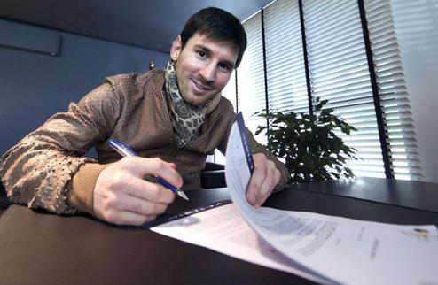 What is it? Футбольные контракты