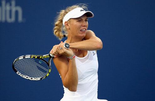 Цинциннати (WTA). Синхронные победы Возняцки и Стивенс, вылет Мугурусы и Винус Уильямс