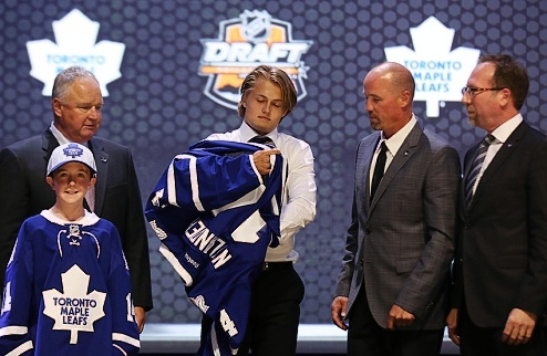 НХЛ. Торонто: подписан форвард с драфта-2014