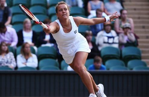 Нью-Хейвен (WTA). Пеннетта завершила борьбу, успех Квитовой, вылет Халеп