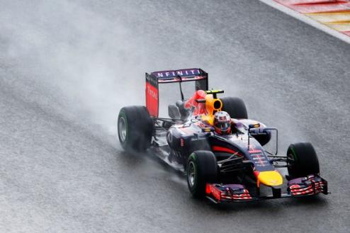 Формула-1. Гран-при Бельгии. Риккардо удивляет Мерседес