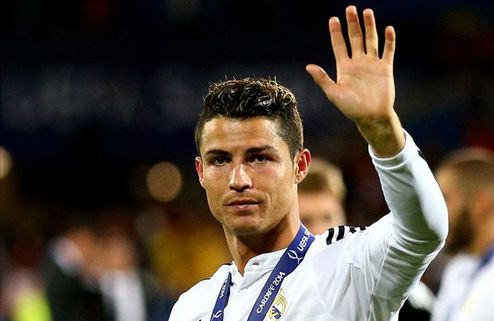 Роналду — лучший футболист Европы сезона 2013/2014