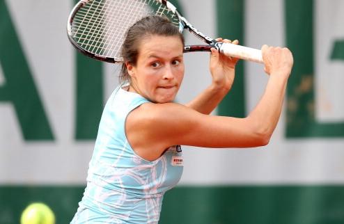 Квебек (WTA).  Мария  и Роджерс в четвертьфинале, вылет Младенович