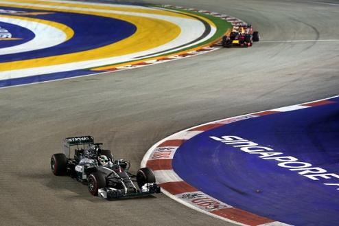 Формула-1. ГП Сингапура. Победа Хэмилтона, крах Росберга, подиум Ред Булла