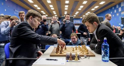 Шахматы. Вейк-ан-Зее. Карлсен подбирается к лидерам
