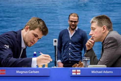 Шахматы. Вейк-ан-Зее. Чемпион мира уходит в отрыв