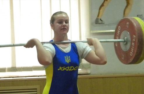 Тяжелая атлетика. Деха — лучшая спортсменка апреля в Украине