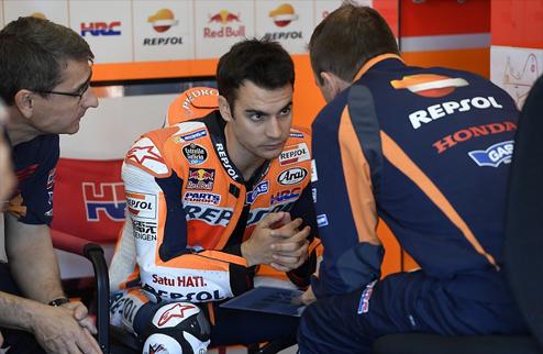 MotoGP. Педроса обходит Лоренцо на первой тренировке