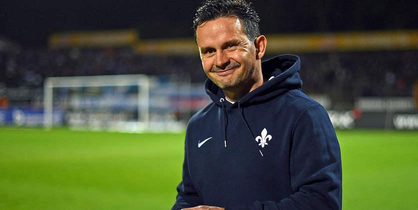 Д. Шустер возглавил «Аугсбург», Вайнцирль стал главным тренером «Шальке»