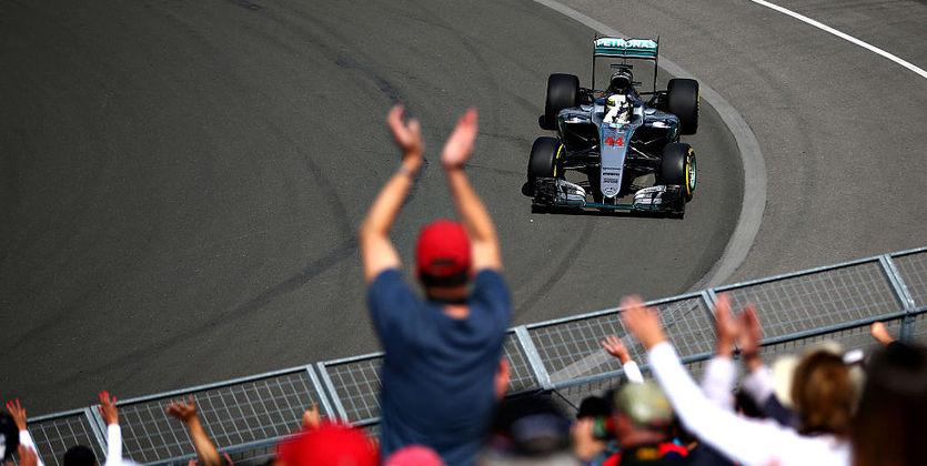 Хэмилтон одержал победу квалификацию «Гран-при Канады», Квят— 13-й
