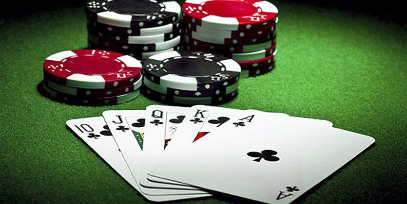 Роналду сразился в покер со звездой сериала Во все тяжкие