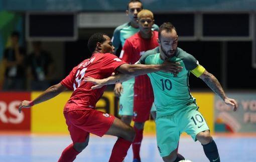 Футзал. ЧМ-2016. Португалия громит Панаму, Колумбия вырывает ничью с Узбекистаном