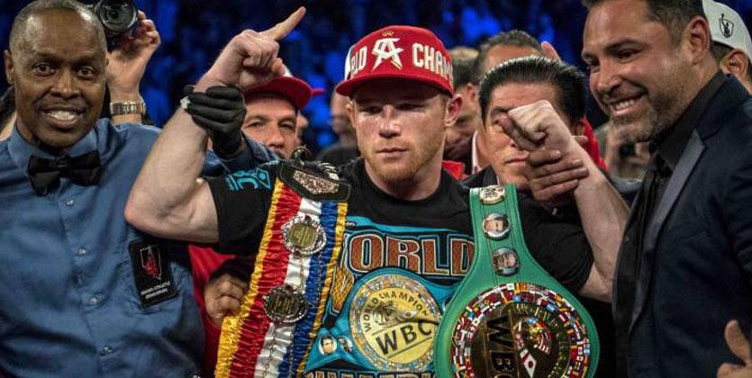 Мексиканский боксер Альварес нокаутировал британца Смита вчемпионском бою WBO