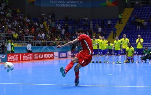 Футзал. ЧМ-2016. Иран отправляет Бразилию домой, Испания сильнее Казахстана
