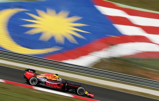 Формула-1. Гран-при Малайзии. Риккардо — побеждает на трассе в Сепанге!