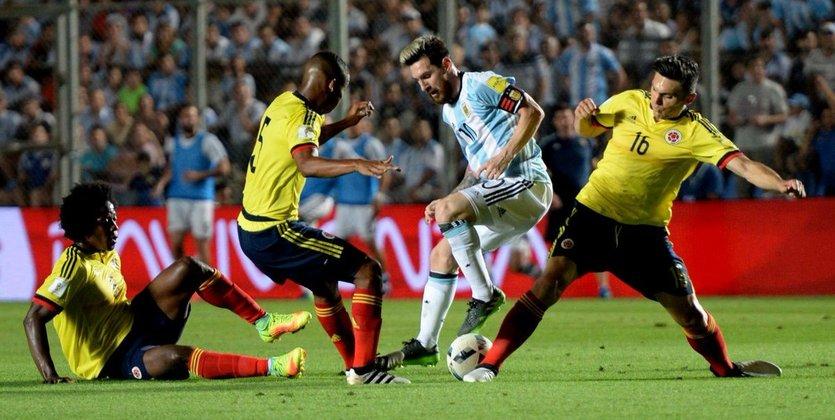 Победы Аргентины и Бразилии, Чили сильнее Уругвая