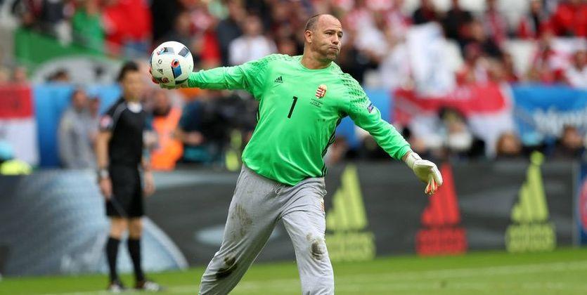Легендарный венгерский вратарь Кирай провел свой последний матч засборную