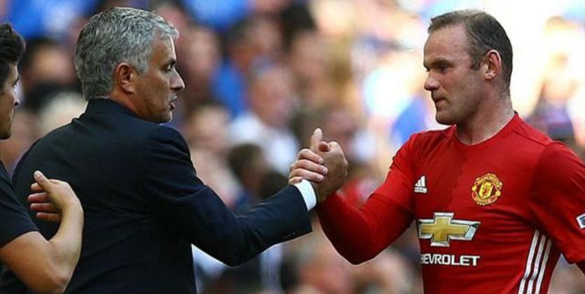 Моуринью иВенгер пожали руки перед матчем Манчестер Юнайтед— Арсенал