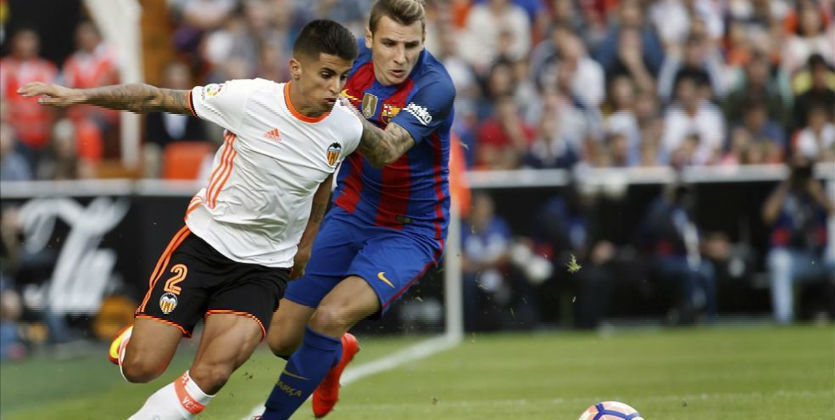 Защитник «Валенсии» Жоау Канселу летом будет игроком «Барселоны»