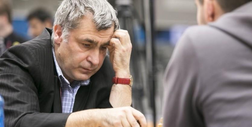 Украинец Иванчук обыграл чемпиона мира пошахматам Карлсена
