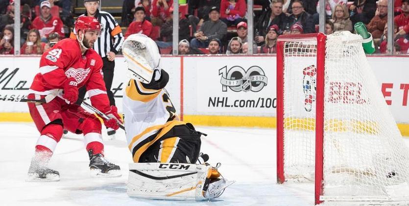 НХЛ. Детройт 6 раз огорчил Питтсбург, 11 шайб Каролины и Айлендерс