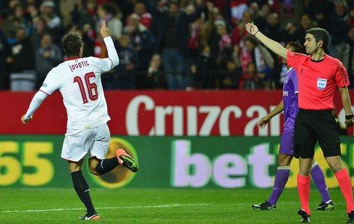 Ла Лига. Севилья вырывает победу у Реала и выходит на второе место