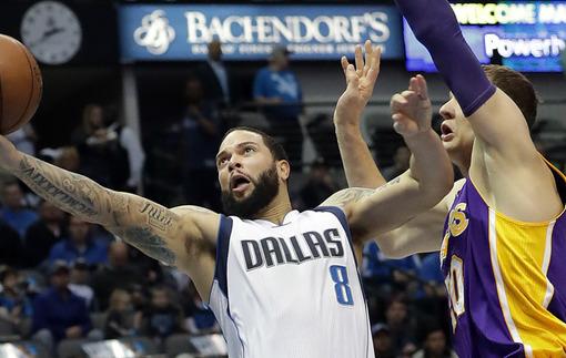 НБА. Даллас унижает Лейкерс, очередная победа Голден Стейт
