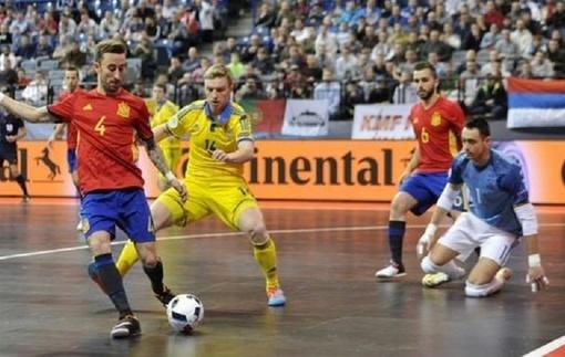 Сборная Украины играет вничью с чемпионами Европы