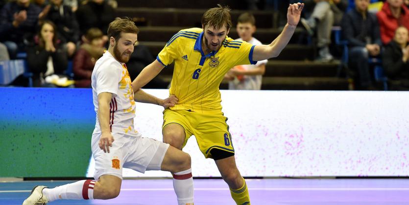 Украина провалила концовку во втором матче с Испанией