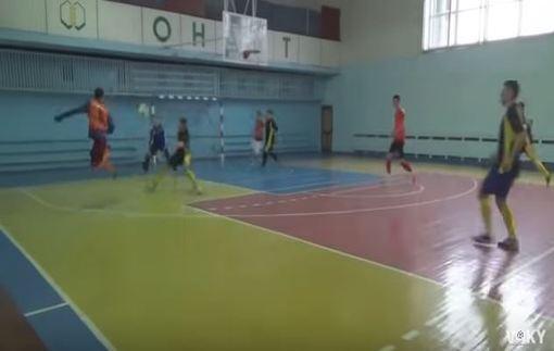 Видео невероятного гола украинца в футзале
