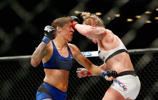 UFC 208: Видео боев и результаты шоу