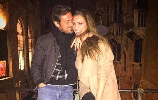 Милевский с девушкой посетил венецианский карнавал