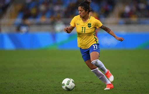 Китайцы сделают бразильянку самой высокооплачиваемой футболисткой мира
