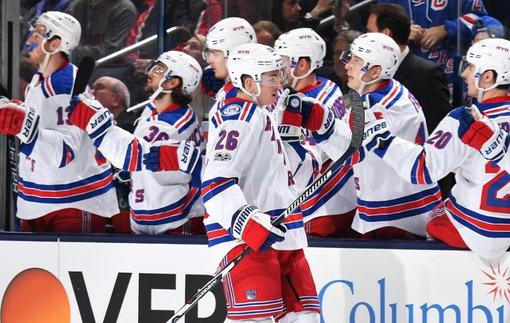 НХЛ: Победа Рейнджерс над Коламбус, Аризона разгромила Калгари